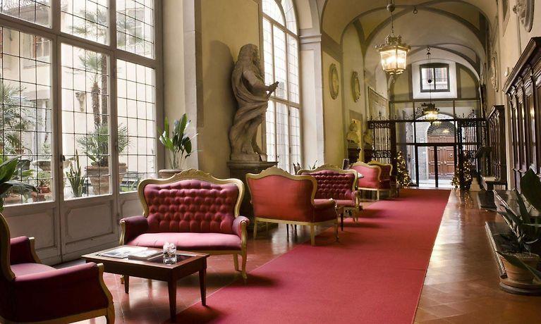 Florence Badkamer Plafond : Palazzo magnani feroni florence